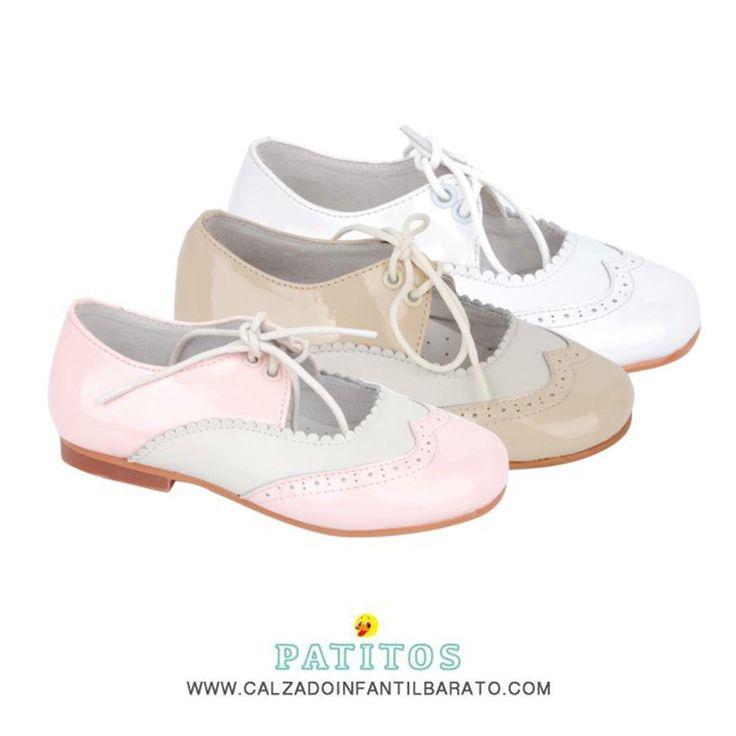 Qué delicia! Las merceditas de charol tipo inglés para niña son el zapato perfecto para las princesas de la casa. Tallas del 29 al 34  17€  www.calzadoinfantilbarato.com