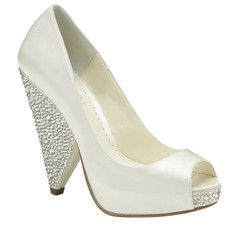 """#weddingshoes #trousseaubridalshoes #bridalshoes The Rhiana screams show stopper. Heel height: 11cm / 3.75"""" Material: Duchesse Silk. Check out www.trousseaubridalshoes.co.nz - worldwide shipping is available on our shoes, please contact us"""