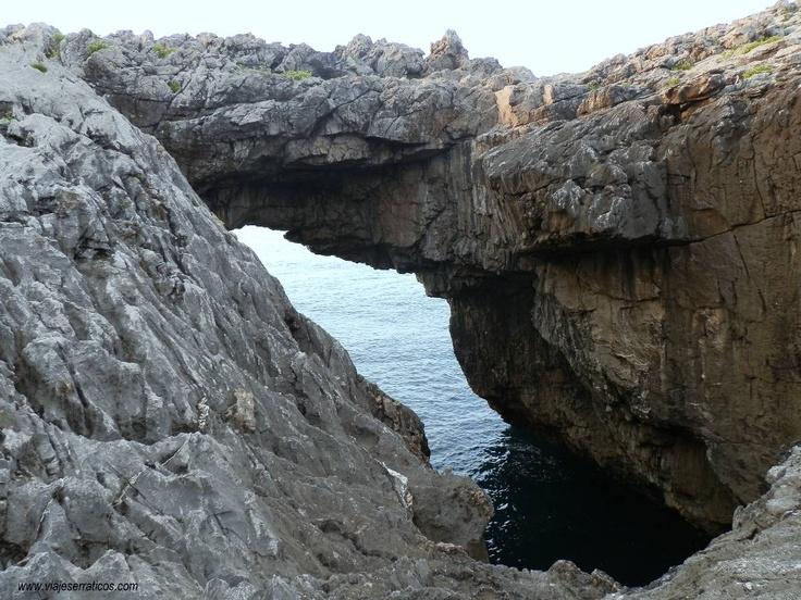 Viajes Erráticos: Playa y cueva de Cobijero / Buelna / Concejo de Llanes / Asturias / ESPAÑA