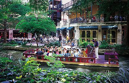 The San Antonio River cruise is a 35 minute tour of the river walk and San Antonio history.