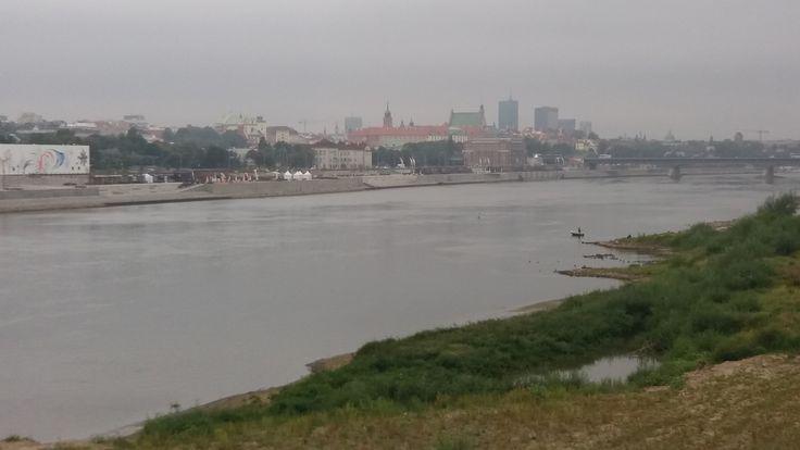 Widok na Nowe Bulwary z Mostu Świętokrzyskiego.