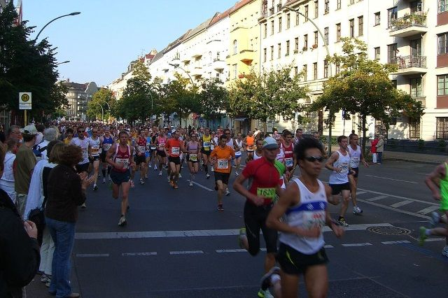 Aktion der Berliner Wasserbetriebe: Laufkilometer für Trinkbrunnen spenden | Sports Insider Magazin