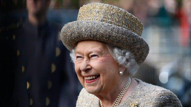 """1. Il suo cognome? Non esiste! - Proprio così, avete capito bene. Ma se un giorno dovesse venirvi voglia di pronunciare il suo titolo ufficiale in modo completo, vi basterà dire """"Sua Maestà Elisabetta Seconda, per Grazia di Dio, del Regno Unito di Gran Bretagna e Irlanda del Nord, e dei Suoi altri Reami e Territori, Regina, Capo del Commonwealth, Difensore della Fede."""" Facile vero?"""