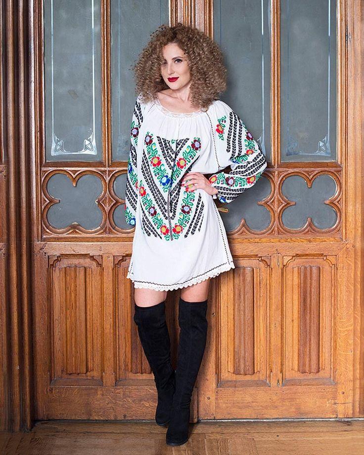 HANDMADE EMBROIDERED DRESS - Luxury Motif