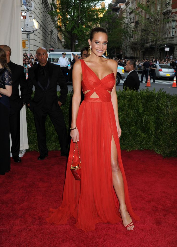 Hannah Davis – Costume Institute Benefit Gala in New York City, May 2015