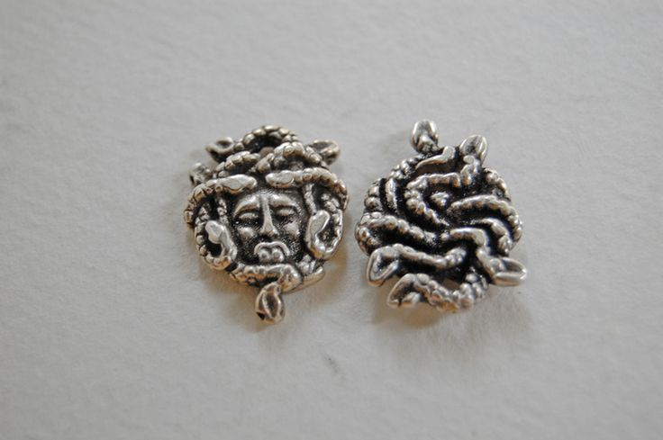 Other – 1 x  metal medusa silver charm – a unique product by thesecretgarden on DaWanda