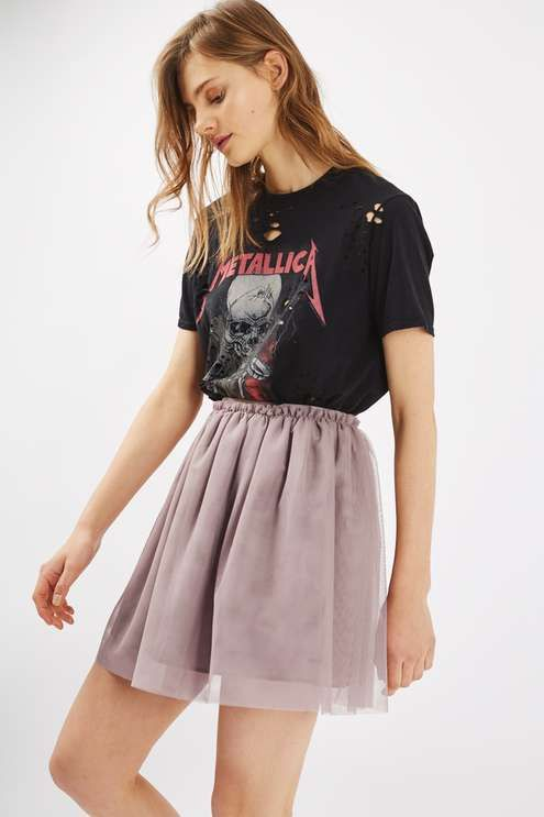The popular ballet-style gets a modern update with this tulle mini skirt, in a taupe colourway with grosgrain waistband. Mix it up with a distressed band-tee for look that's both ways grungy and girlie. #Topshop