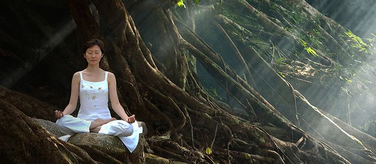Wir geben praktische Tipps für Anfänger um richtig meditieren zu lernen. Werde Regisseur im eigenen Kopfkino!