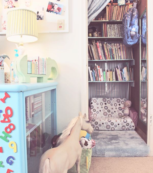 25 Clever Under Stairs Ideas To Optimize The Leftover: Best 25+ Closet Book Nooks Ideas On Pinterest