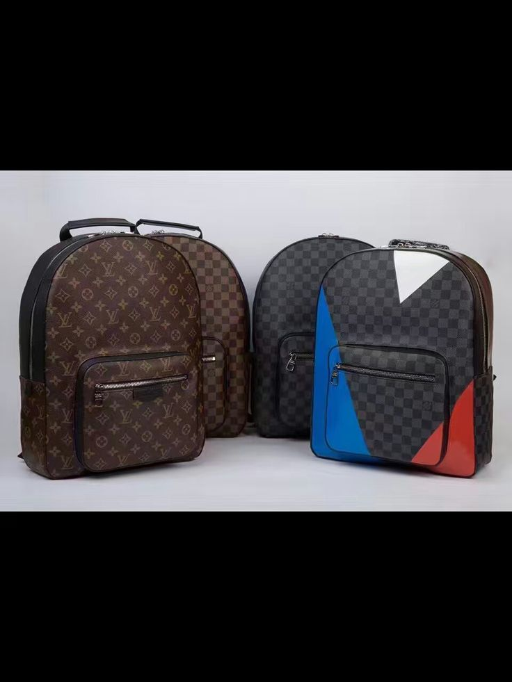 LV Backpack 42*31*13cm 102USD