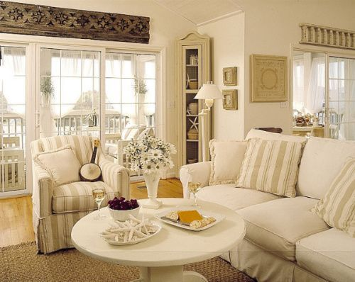 Monochromatic coastal cottage decorated with natural hues