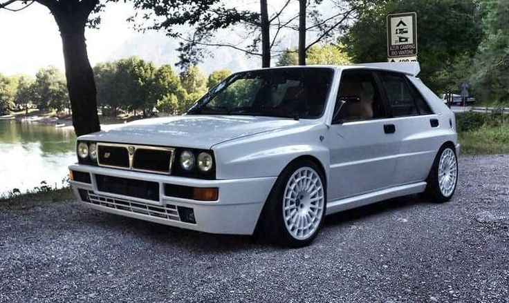 Lancia Delta HF Integrale madre perla with white wheels