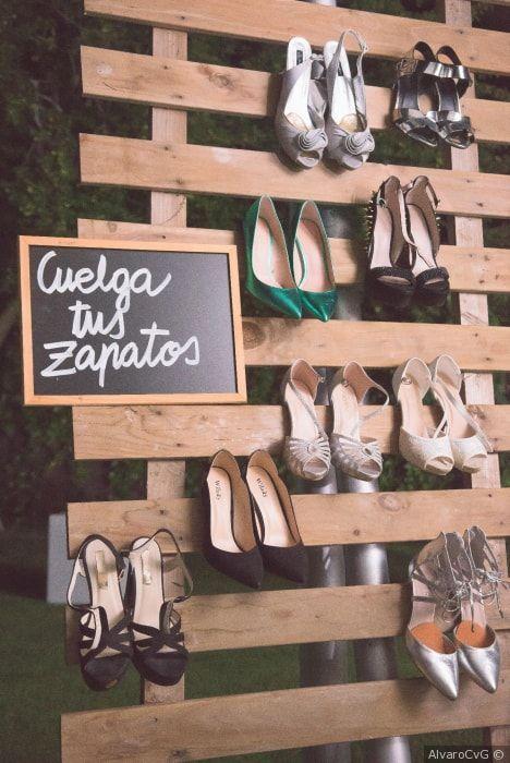 ideas para colgar los zapatos de tus invitadas #wedding #bodas #boda