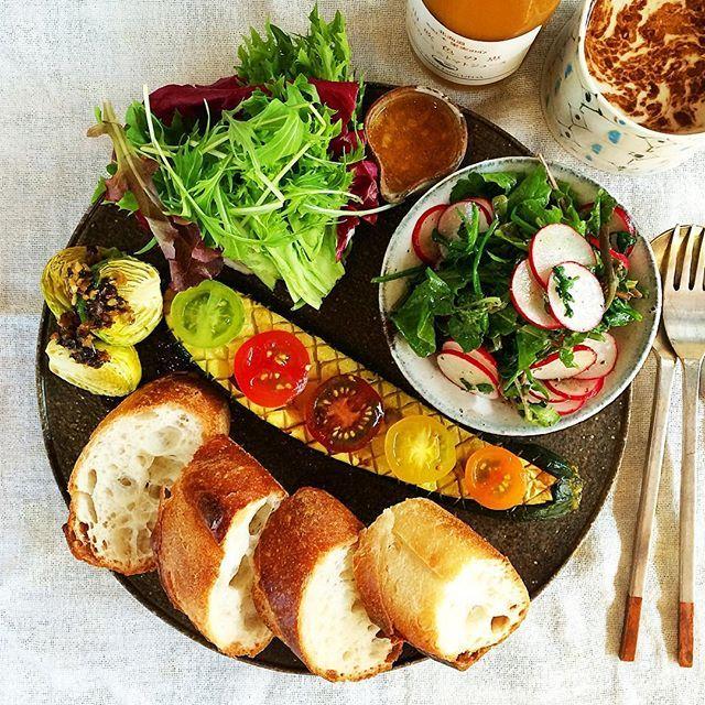 #朝ごはん #朝ご飯 #あさごはん #朝食 #おうちごはん #おうちカフェ #サラダ #パン #ワンプレート #暮らし #日々 #instafood #instagood #food #foodstagram #morning #breakfast せりとラディッシュのサラダ☺︎