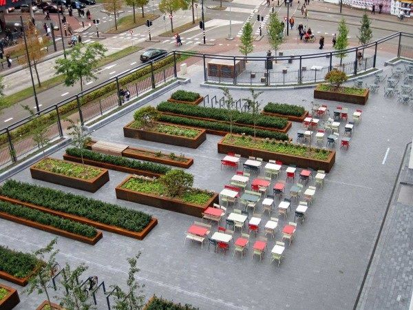Площадь Mathildeplein, Buro Lubbers  Решение пространства сложной формы