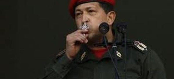 --- Hugo Chávez: en la búsqueda de la inmortalidad ---  . En marzo de 2013 murió el presidente de Venezuela, Hugo Chávez. Esta noticia se publicó en todo el mundo. En las redes sociales, el deceso de Chávez fue la nota, la crónica, el reportaje y artículo. Lo fue todo. Por: Kristian Antonio Cerino. Foto: prodavinci.com.  LINK: http://diarioactivo.mx/hugo-chavez-en-la-busqueda-de-la-inmortalidad/