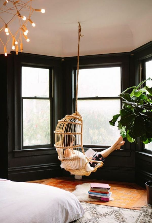 Pour se reposer - la  balançoir ronde dans le salon