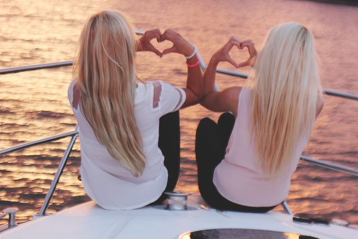 I'd love to take a pic like this with a friend! Maybe for the blog @Morgan Meinen !