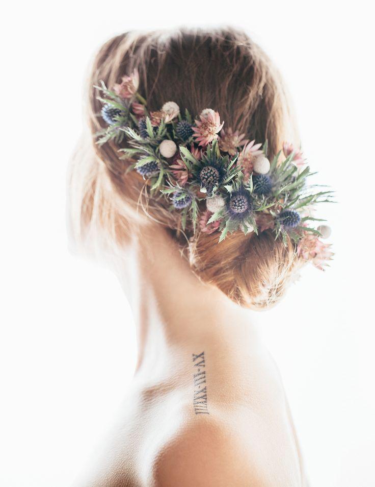 INNA Studio_ flowers for hair / kwiaty do włosów / pół-wianek / duży i kolorowy / makijaż: Agnieszka Kaczmarek Make Up Artist/ Studio Szminka fryzura: Marcin Włodarczyk - hair designer modelka: M. Ligęza/Hook fot: Bajkowe Śluby