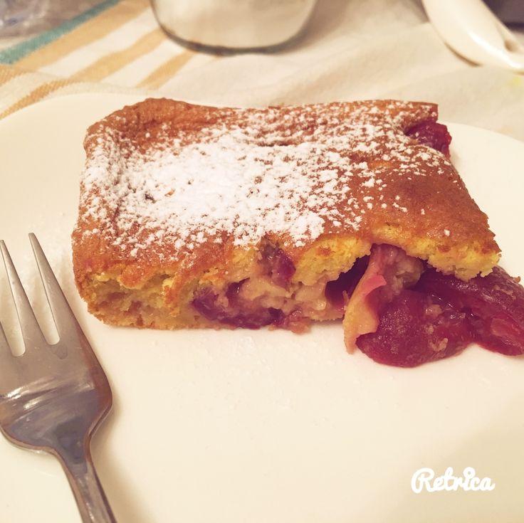 Torta morbida con cuore di marmellata alle ciliege