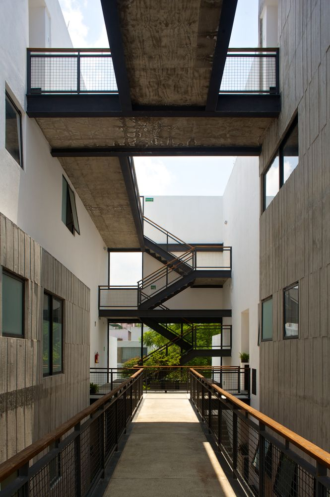 M s de 1000 ideas sobre escaleras al aire libre en for Escalera 5 pasos afuera