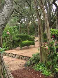 Artscapes: garden art, garden design in peninsula