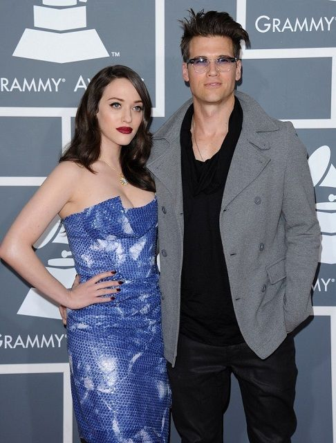 Kat Dennings and Nick Zano - they look like the younger version of my most favorite couple in all of the world...Angie and Brad
