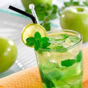 Green cocktails and recipe on pinterest for Green alcoholic drinks recipes