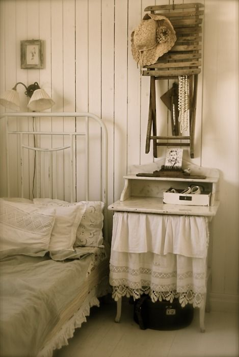 : Decor, Guest Room, Bedside Table, Vintage, Shabby Chic, White, Dreamy Bedrooms, Shabbychic, Bedroom Ideas