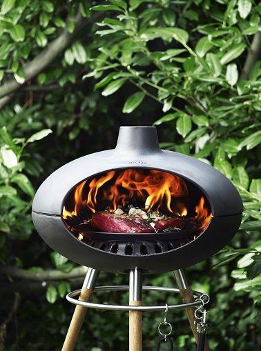 Barbecue four à bois d'extérieur ovale pour un design moderne