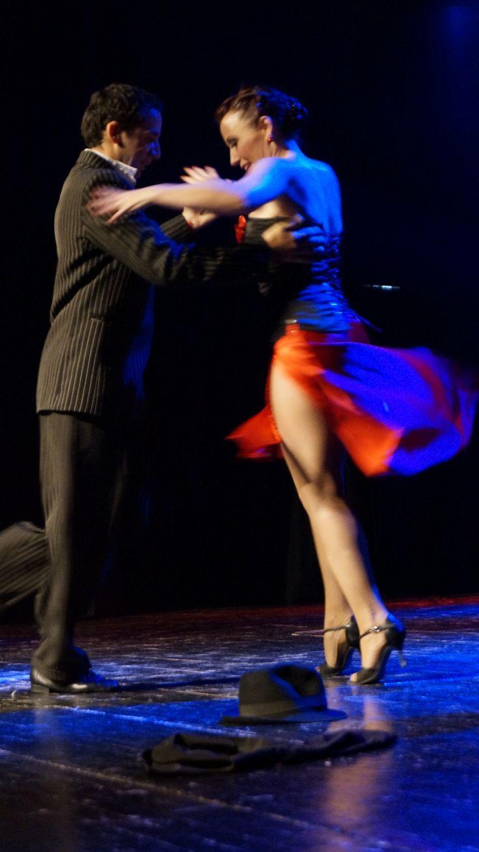 Laura Sidera y Mauricio Monzón (Neuquén). Teatro Diego Rivera, Puerto Montt. 10 Enero 2014.