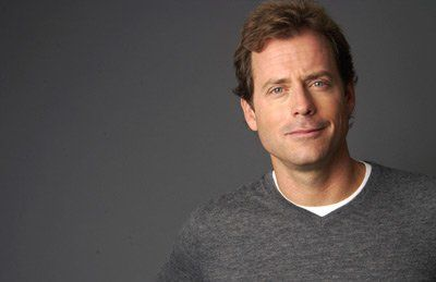 under represented :: under appreciated :: overly adorable :: Greg Kinnear
