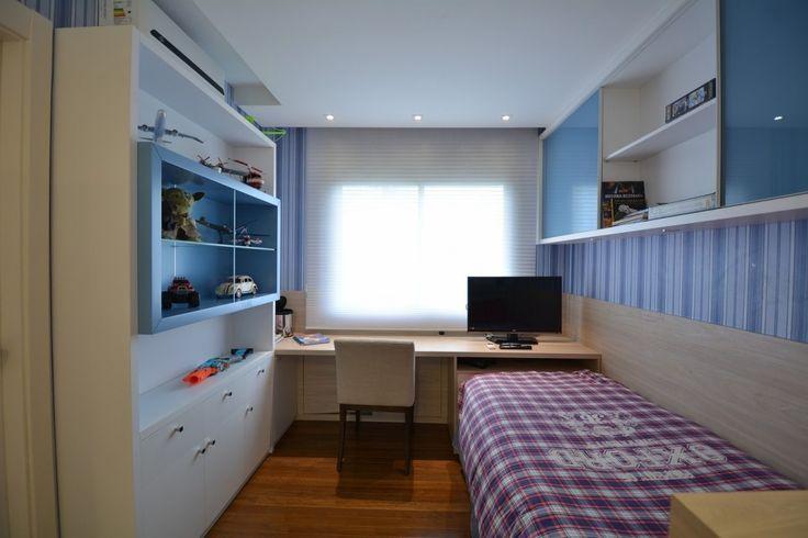 Home in Porto Alegre by Minuscoli Martini Architects