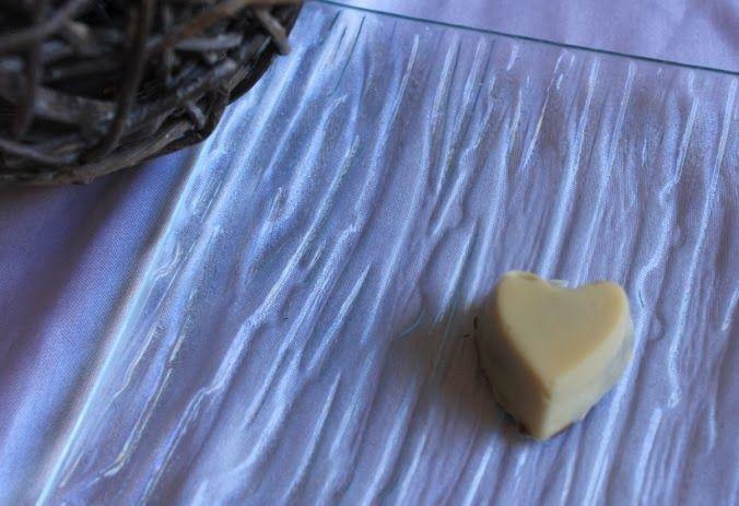 """Papilles on/off: Chocolats blancs """"maison"""" à la framboise croustillante au thermomix"""