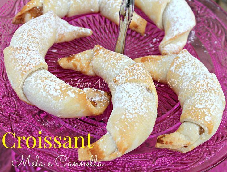 I Croissant pasta brise con mela e cannella sono piccole delizie golose, facili e veloci da realizzare.Cornetti al profumo di cannella intenso ed inebriante