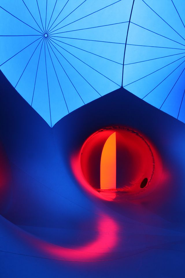 Inflatable Maze-Like Sculpture Bathes People In Colored Light