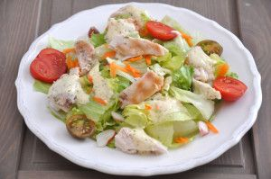 Grécky šalát s kuracími kúskami http://www.woman.sk/grecky-salat-s-kuracimi-kuskami/