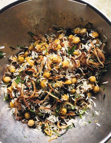 Riz basmati et riz sauvage aux pois chiches, raisins secs et herbes pour 6 personnes - Recettes Elle à Table - Elle à Table
