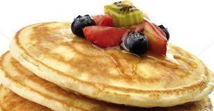 Hälsosamma Proteinrika pannkakor! En proteinrik frukost är avgörande för styrka, energi och dessutom håller det dig mätt länge. Protein pannkaks mix ger välsmakande pannkakor. Ett bra sättet att äta en hälsosam, balanserad frukost och samtidigt tanka kroppen med protein. Läs mer...