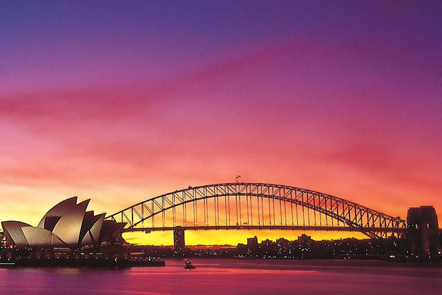 Head to Sydney with the family for an experience like never before, courtesy of The Flights Guru. #cheap #flights #Sydney