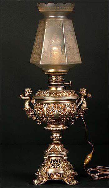 Lámpara de aceite electrificada. Magnífica. 61 cms de altura