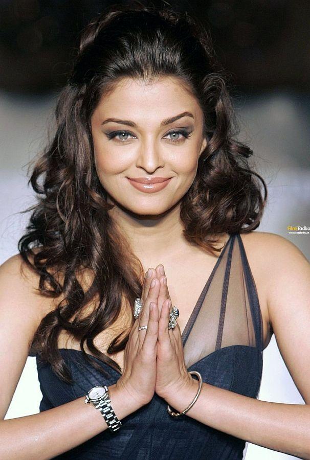 Aishwarya Rai (or Aishwarya Rai Bachchan). #bollywood