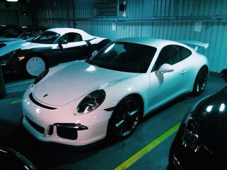 Another garage kept beauty. Porsche