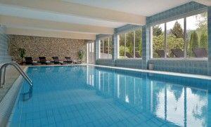 Ein #Hallenbad gibt dem #Körper die #Kraft zurück, die er nach einer langen #Wanderung braucht #wandern #urlaub #wellness #baden #pool #alpen #sommerferien #wilderkaiser #scheffau #hotel #unterkunft #gesundheit