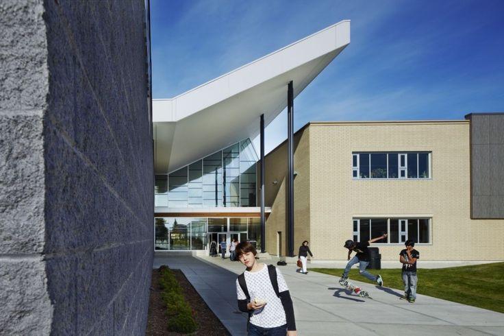 Duchess Park Secondary School / HCMA