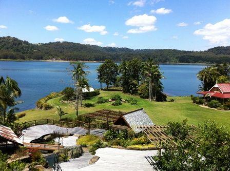 Secrets on the lake - wedding venue and accomodation. Maleny Sunshine Coast