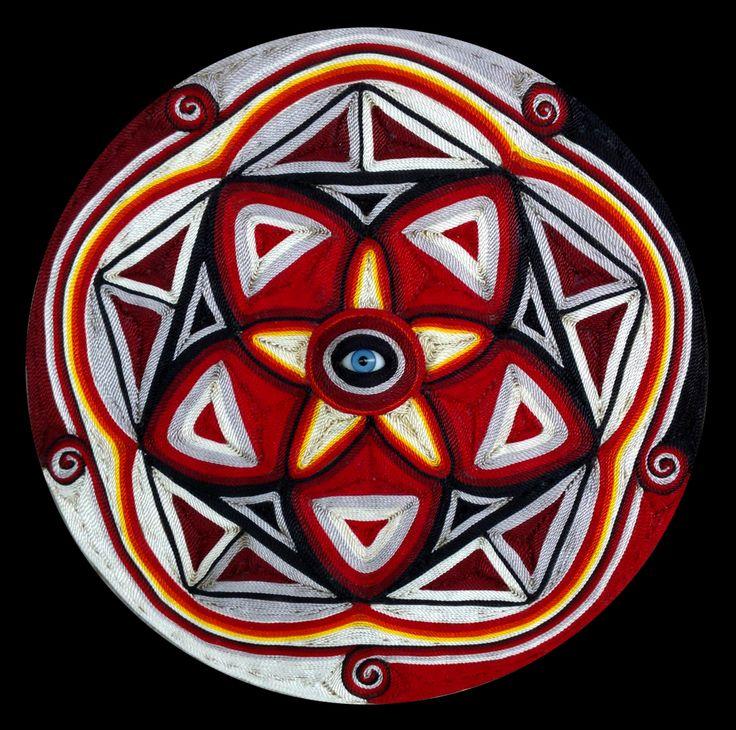 Mandala Abril 2015 Hilos sobre cera y madera.