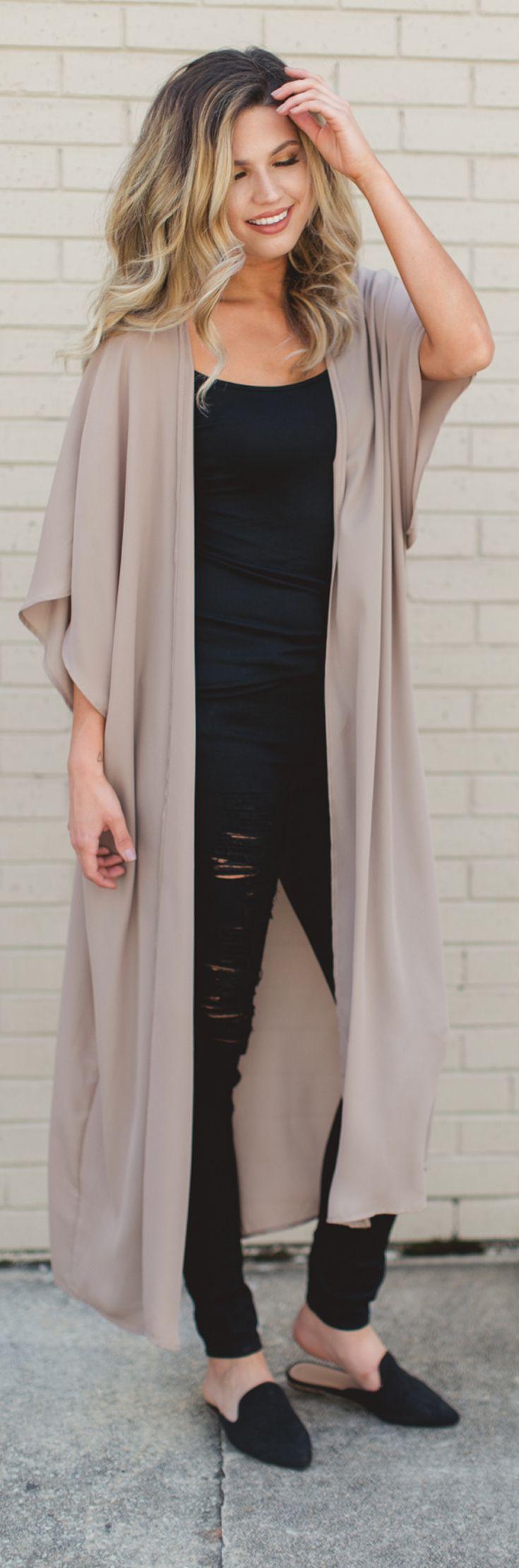Kimono over black - 9 to 5 - fresh fashion trends - fall 2017 fashion - duster cardigan