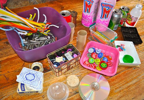 "create a bin of random ""trash"" for boys to make robots and whatever else! Would have LOVED this growing up!: Kids Stuff, For Kids, Recycled Robot, Kiddo Fun, Entertainment Kids, Kids Oth, Kids Kraft, Crafty Kids"