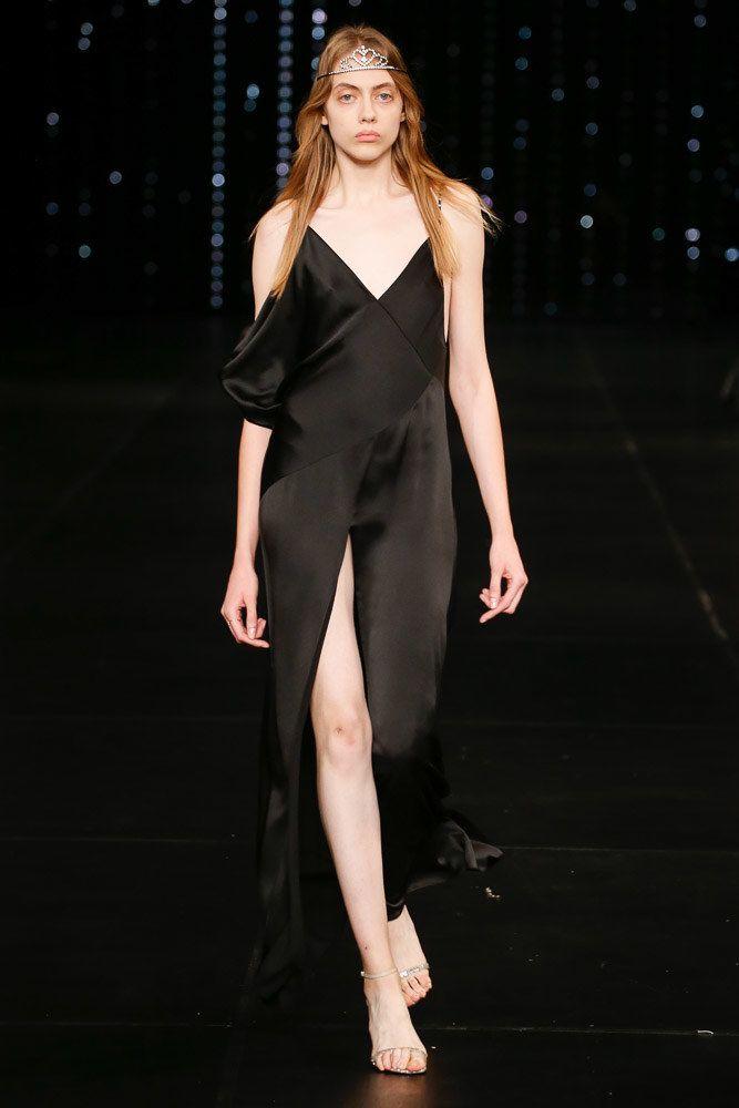 Saint Laurent Spring 2016 Ready-to-Wear Fashion Show - Odette Pavlova (Next)